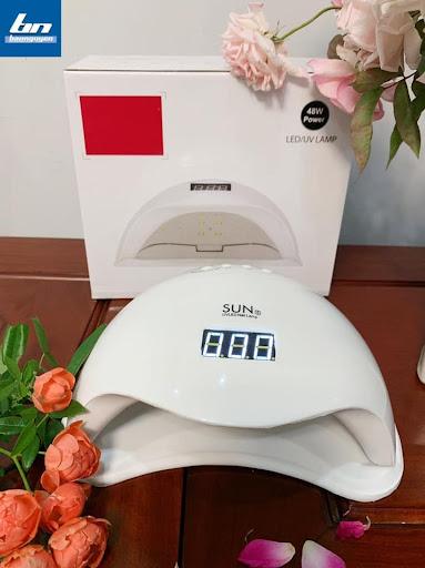 Công Ty BẢO NGUYÊN phân phối máy hơ gel sun 5 chính hãng